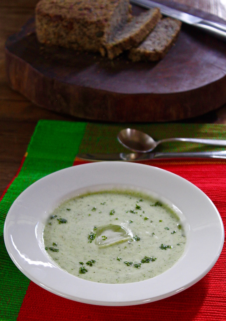 Cucumber & Mint Soup with gluten-free Seed & Nut Bread.